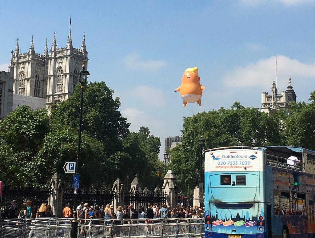 Trump distance london balloon