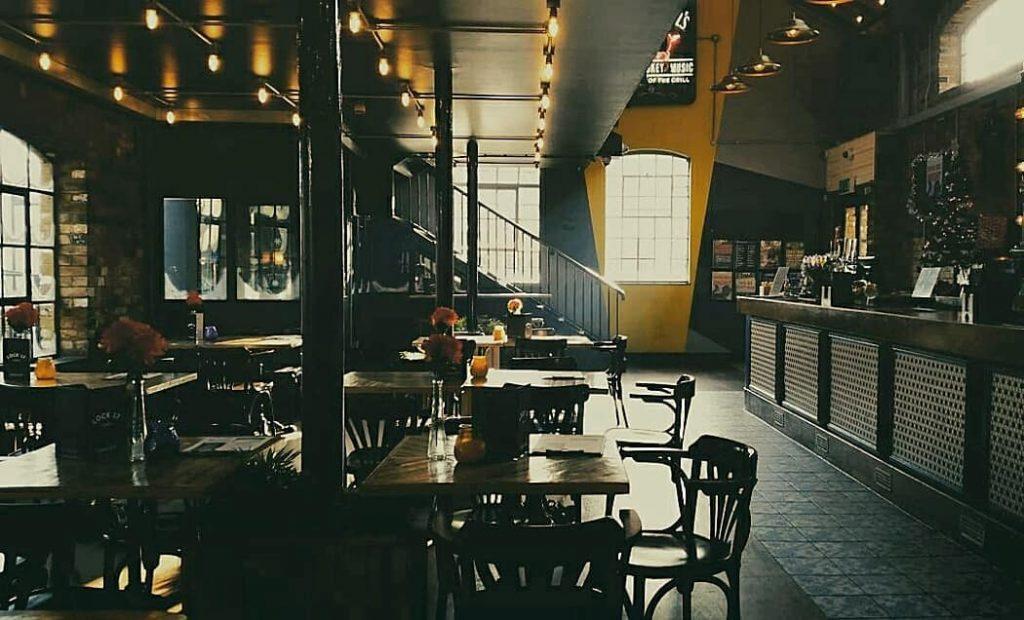 Camden Pub Lock 17