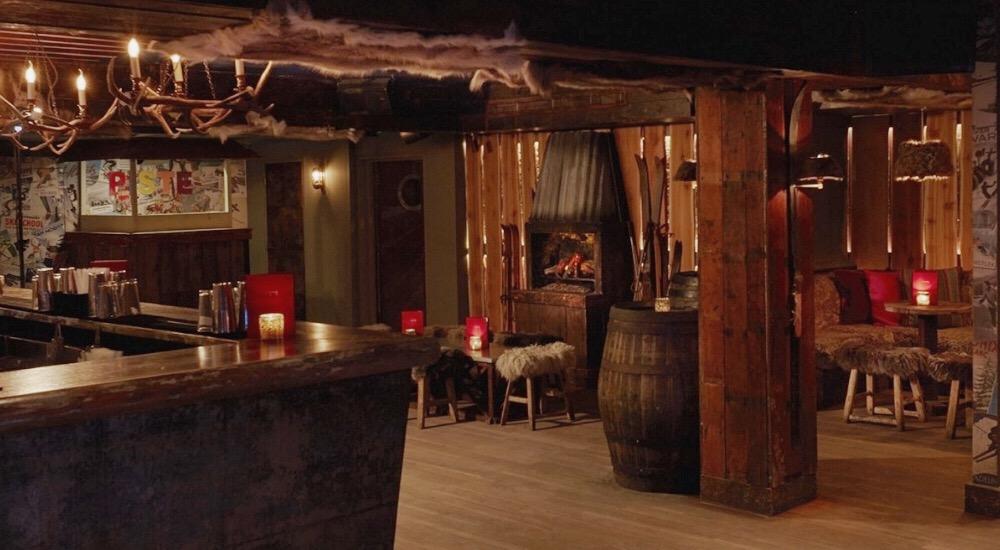 Soho's Underground Après-Ski Bar Where Staff Spontaneously Burst Into Song • Piste