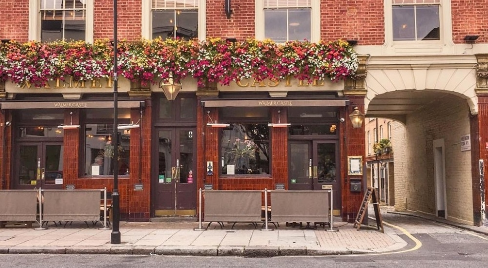 David Beckham Is Buying A London Pub And Giving It A Posh Makeover