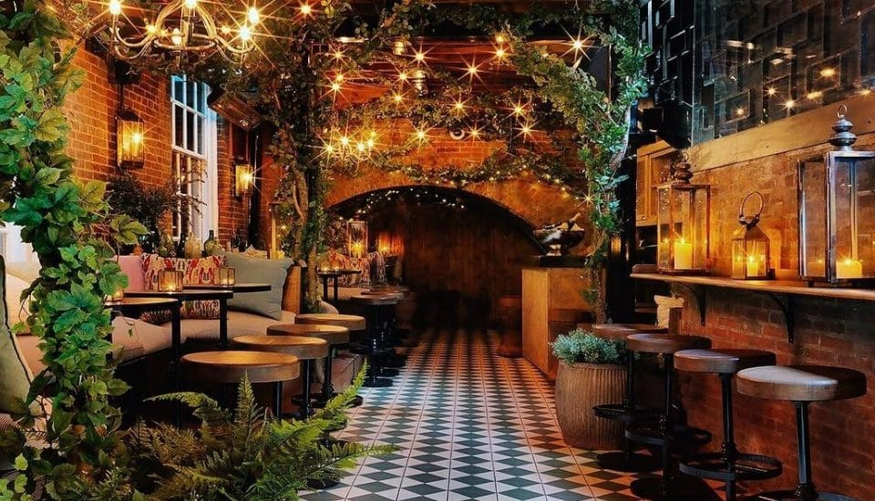 This Beautiful Bloomsbury Bar Is London's Cosiest Corner For A Cocktail • The Bloomsbury Club