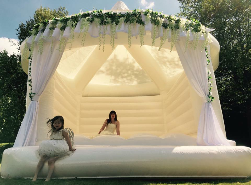 wedding-castle-bounce