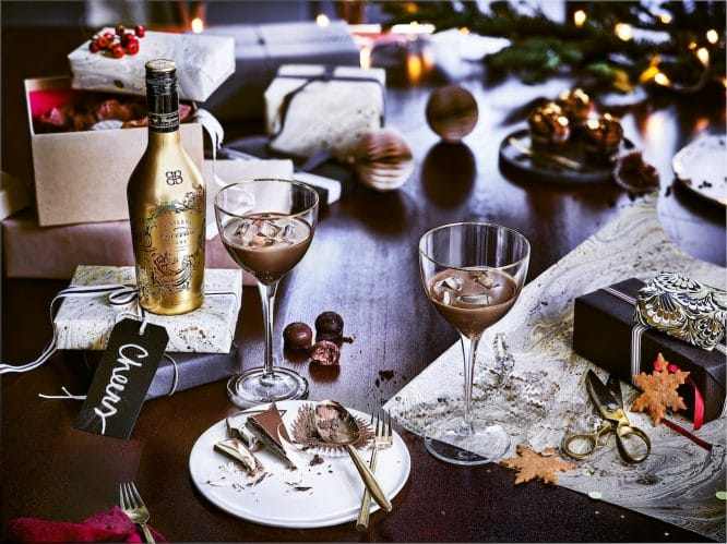 Wrapping the presents - Bailey's Chocolat Lux