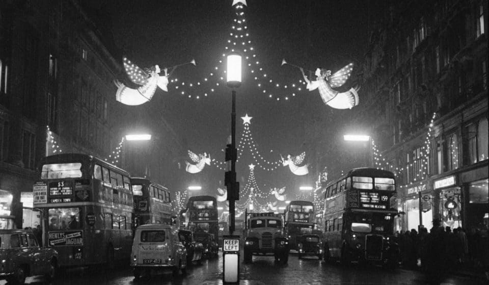 13 Incredible Photos Of London At Christmas During The 50s And 60s