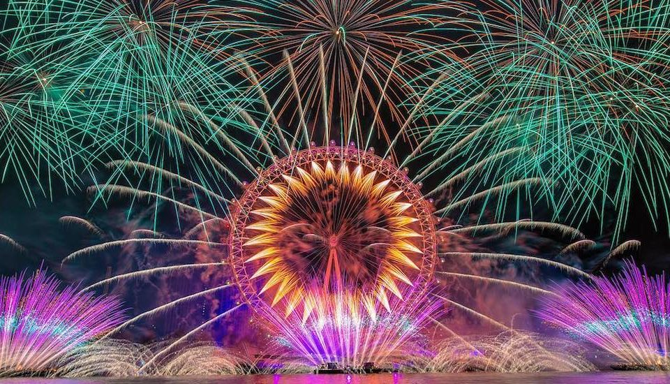 Just 21 Spectacular Photos Of London's New Year's Eve Fireworks