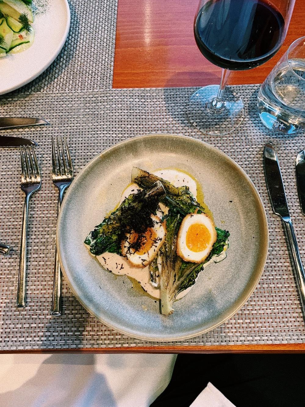 lands-end-restaurant-sunborn-yacht-egg-starter