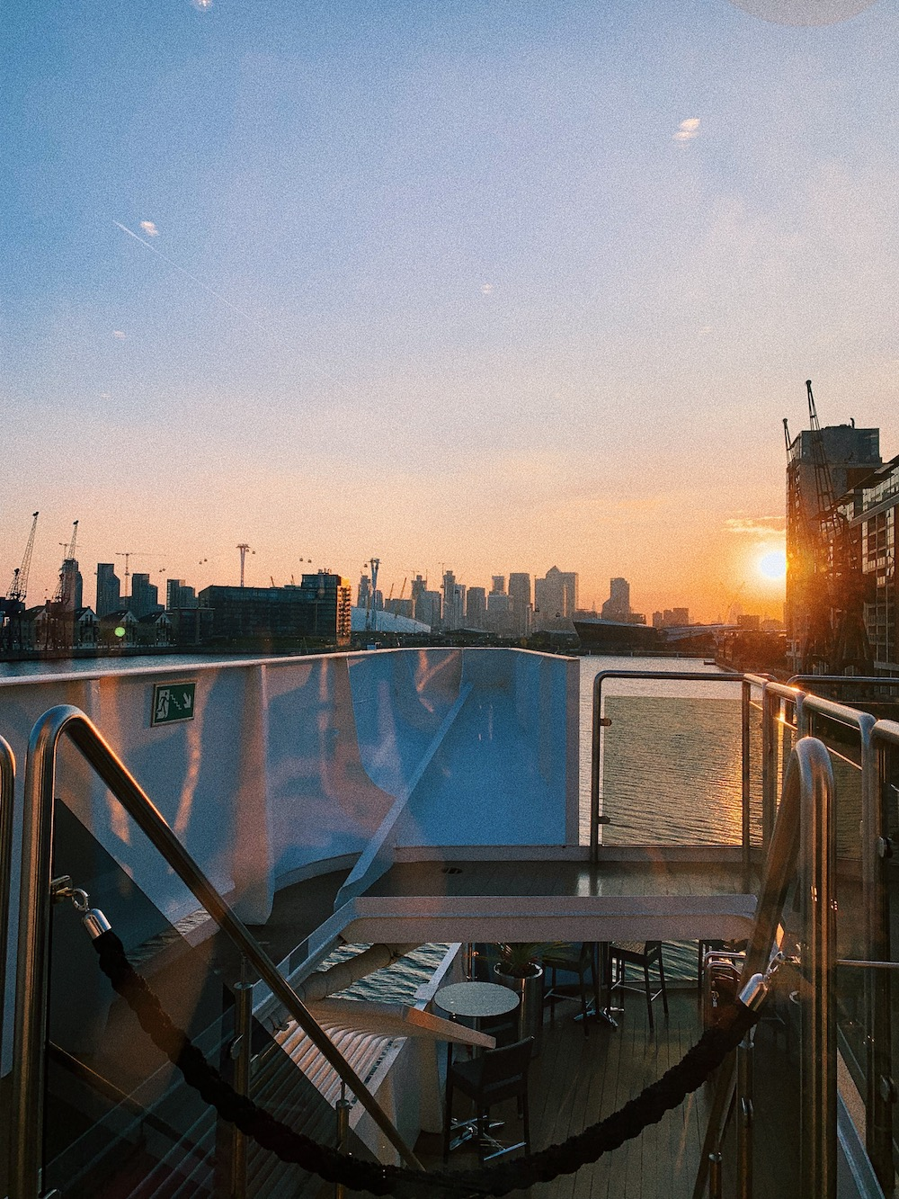 lands-end-restaurant-sunborn-yacht-sunset