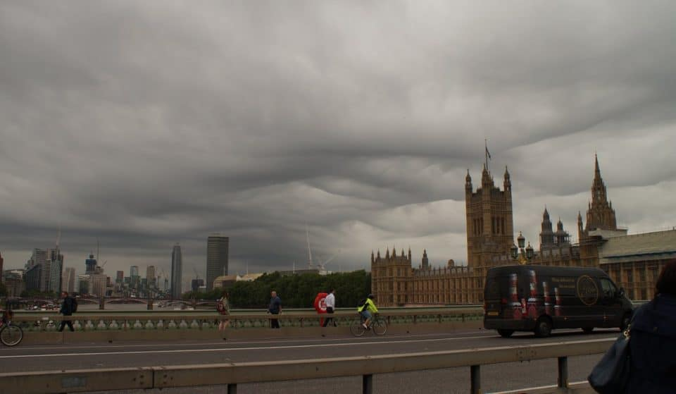 These Creepy Cloud Formations Appeared Over London This Morning