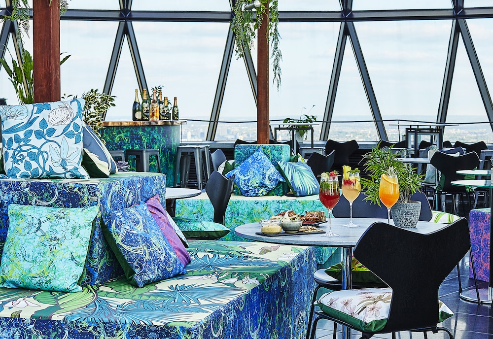 The Top Of The Gherkin Has Transformed Into A Gorgeous Champagne Garden