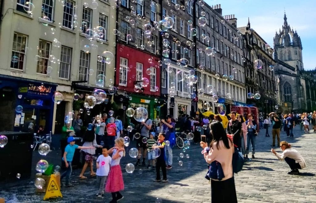 """CLOSED Win Tickets To Watch Thinking Drinkers' """"Heroes of Hooch"""" At Edinburgh Fringe"""
