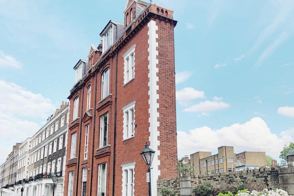 The Story Behind This Super Skinny House In South Kensington