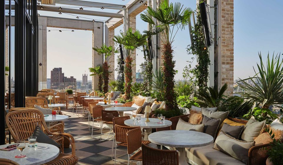 This Gorgeous Rooftop Restaurant Boasts London's Largest Oyster Menu • Seabird