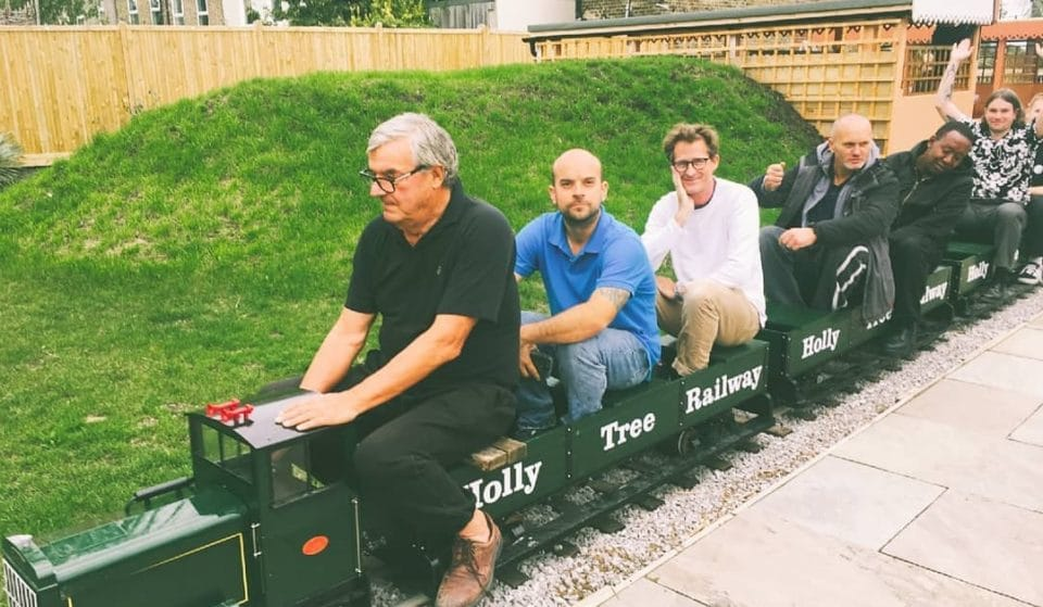 This London Pub Has Installed A Miniature Train In Its Beer Garden