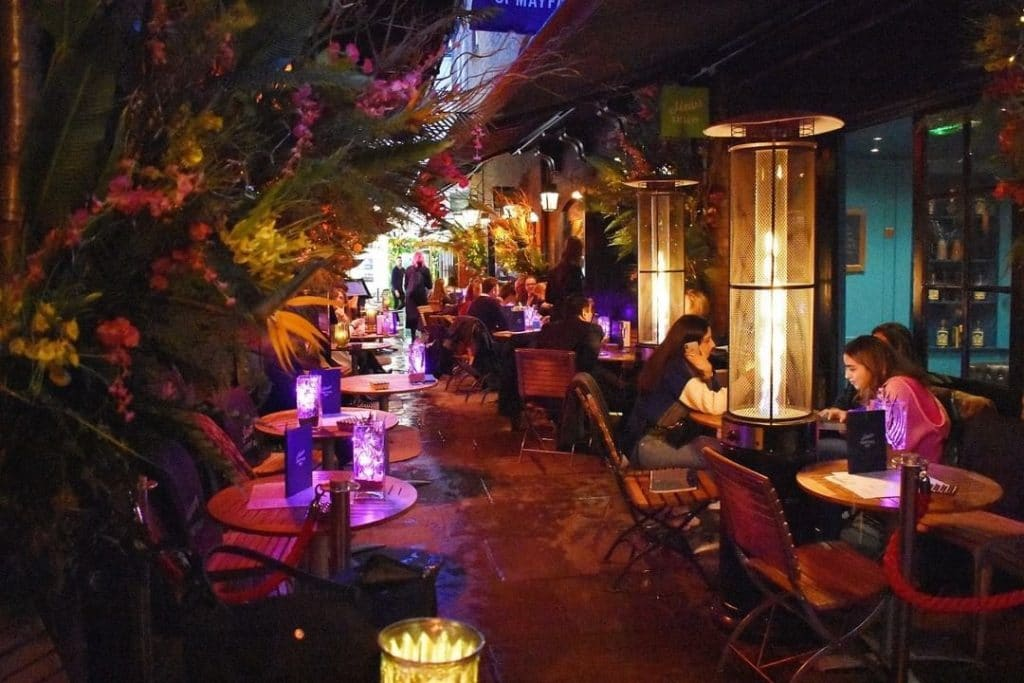 Six Spectacular Bars To Enjoy A Grand Marnier Cocktail
