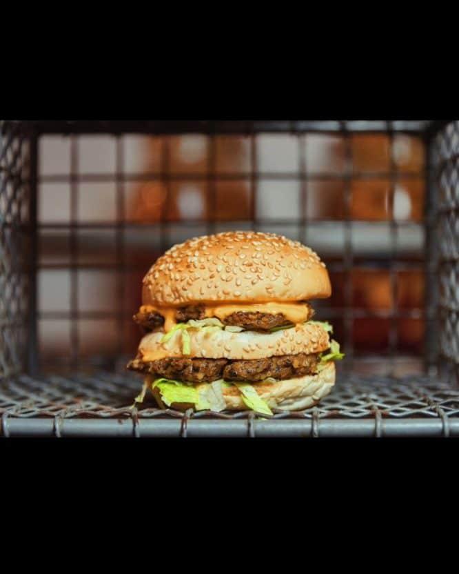 veganuary-restaurants-london: simplicity burger