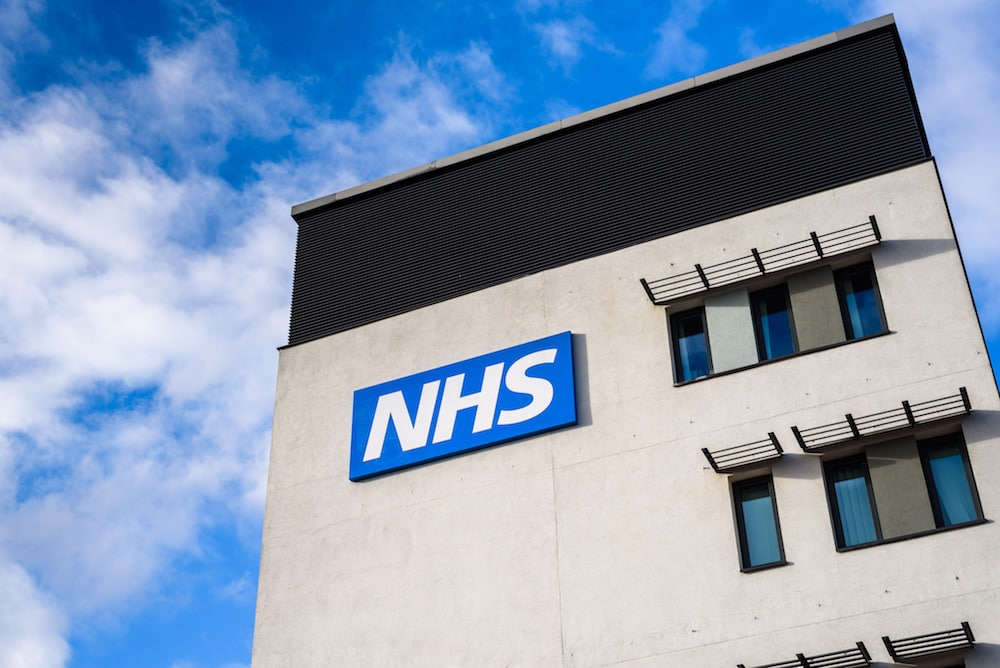 A Quarter Of A Million Brits Have Volunteered To Help The NHS In Less Than 24 Hours
