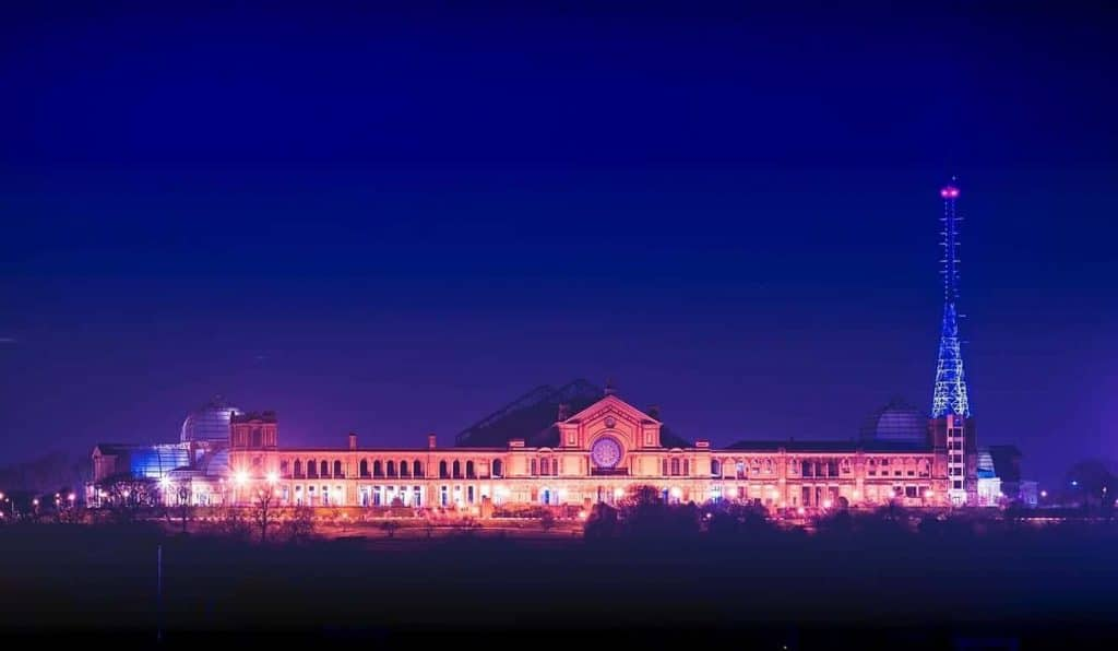 Alexandra Palace Are Lighting Their Mast Blue To Thank NHS Workers