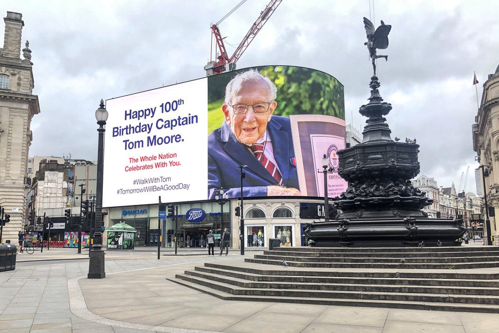 Piccadilly Circus Is Now Displaying A Happy Birthday Message For Colonel Tom Moore