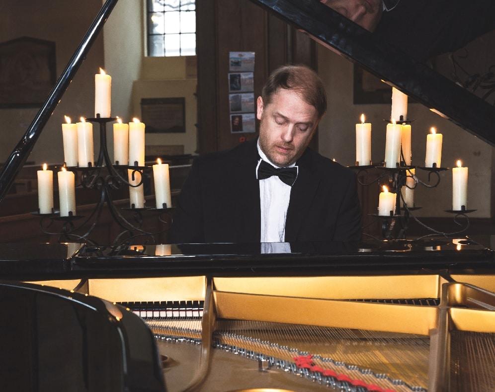 Livestream piano concerts