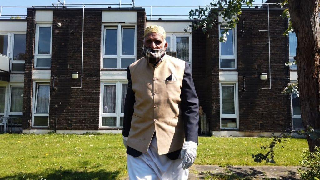 100-Year-Old Man Raises Over £100K By Walking Laps Of His Garden During Ramadan