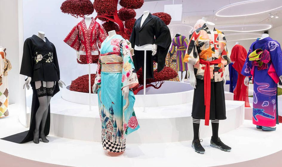 You Can Now Take A Video Tour Of The V&A's Beautiful Kimono Exhibition