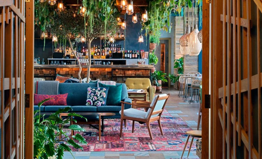 This Gorgeous Treehouse Bar Boasts Incredible Views Over London • The Nest