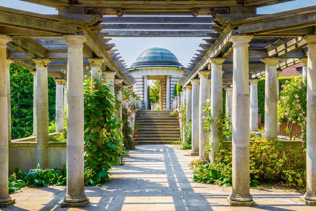 Hampstead Pergola: The Beautiful Place That's Perfect For Every Season