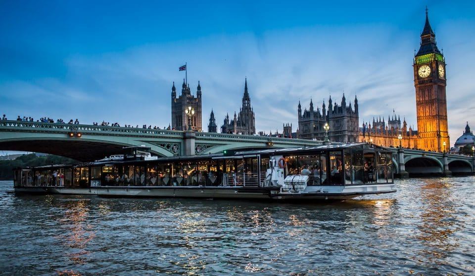 London's Floating Candlelight Concerts Are A Seriously Chill Evening Out