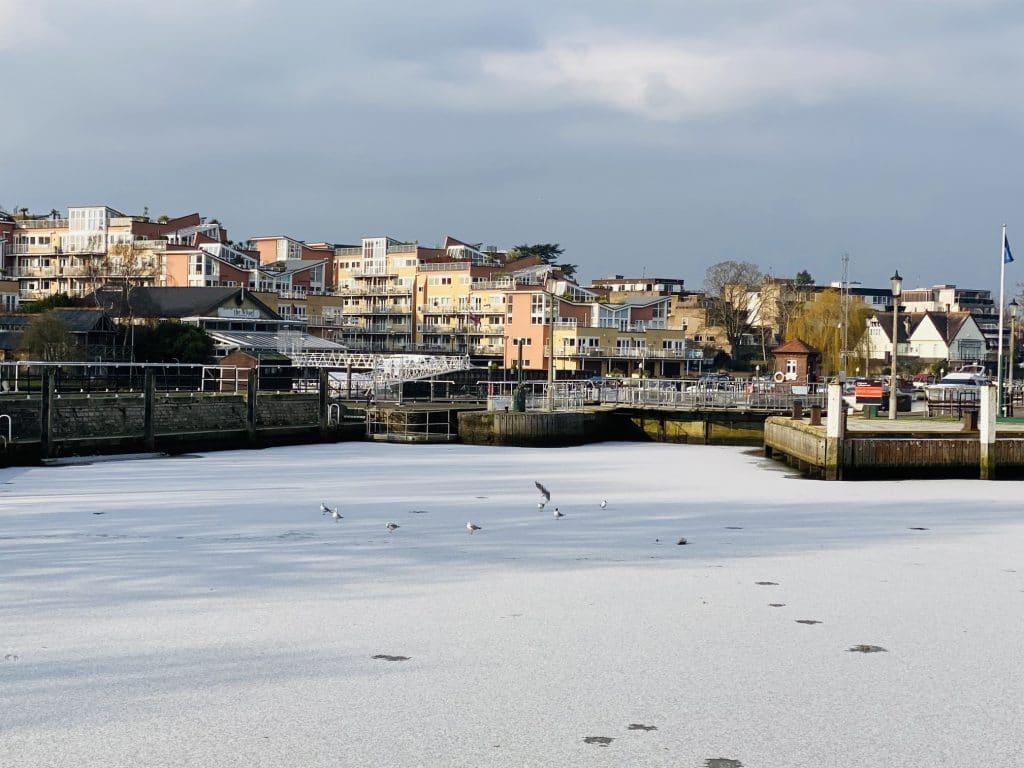 Thames frozen