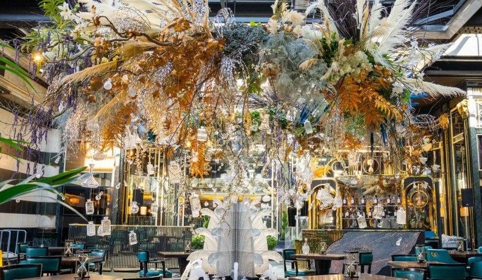 The Glamorous Savoy Hotel Has Its First-Ever Outdoor Dining Terrace, And Boy Is It Fancy