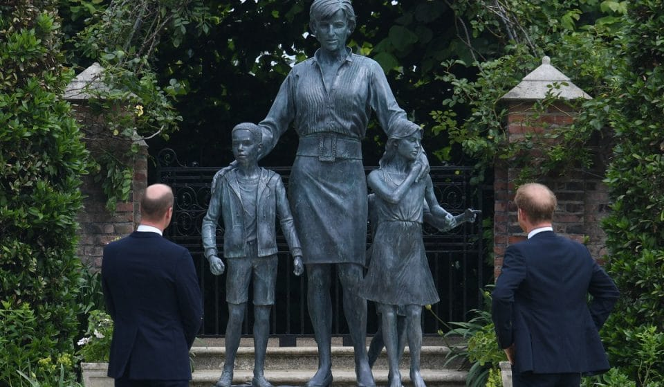 A Statue Of Princess Diana Has Been Installed At Kensington Palace