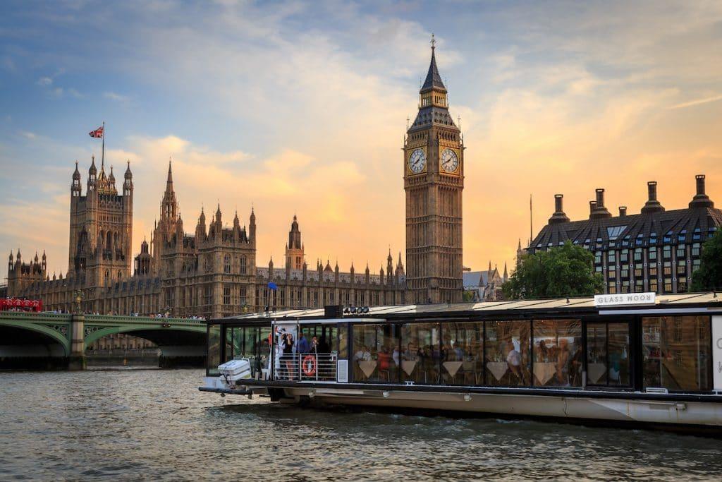floating bars and restaurants london