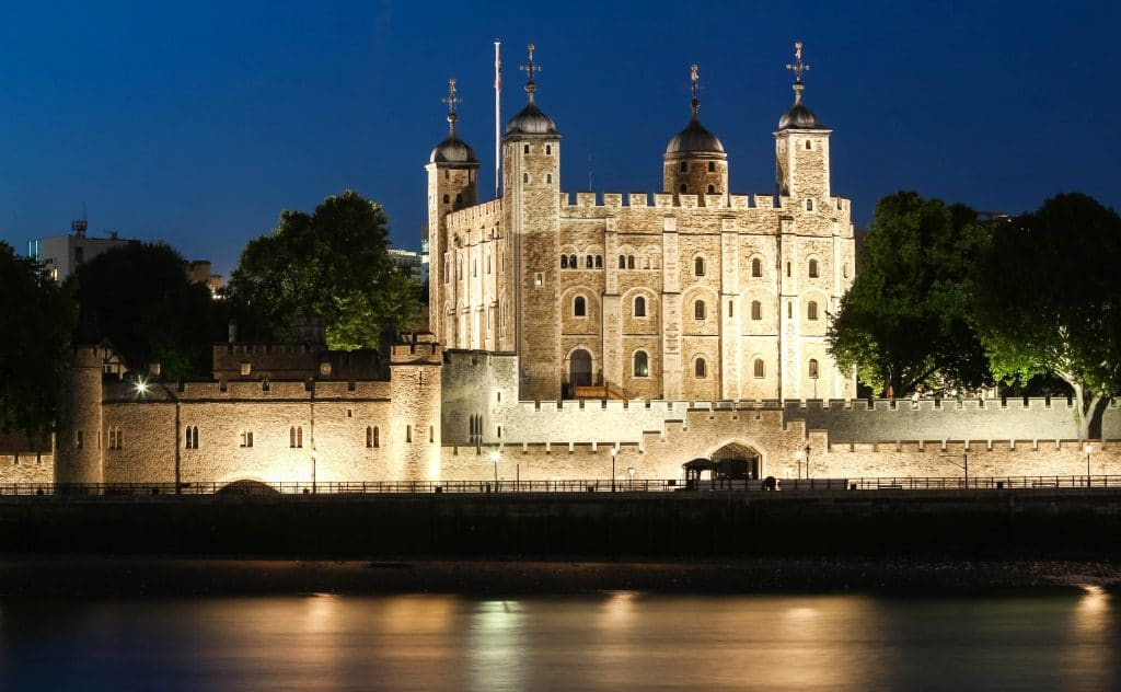 The Queen's Platinum Jubilee Could Be Celebrated At The Tower Of London With A Garden In The Moat