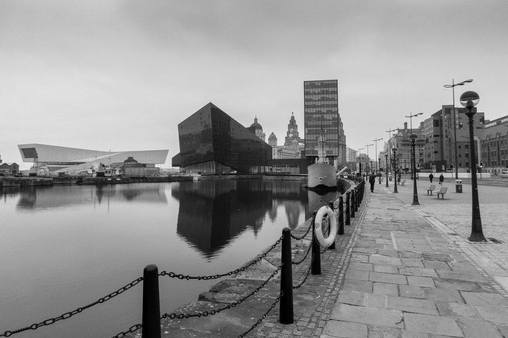 liverpool empty lockdown black and white albert dock