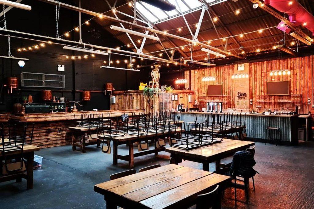murphy's-gin-distillery-bar