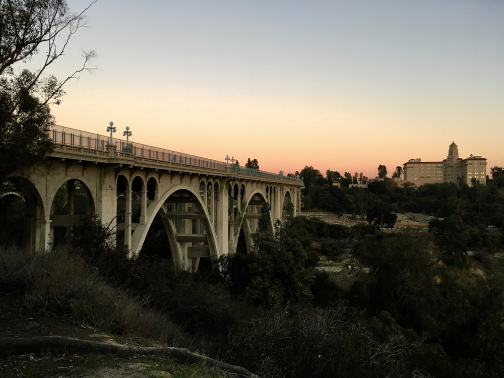 5 Haunted Places In Los Angeles That Will Have You Spooked
