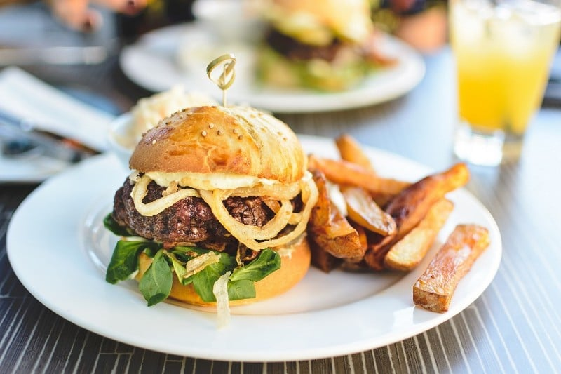 The Best Specials Happening In LA For National Cheeseburger Day