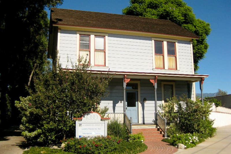 'Halloween' Fans Are Making Their Way To South Pasadena To Peep Michael Myers' Childhood Home