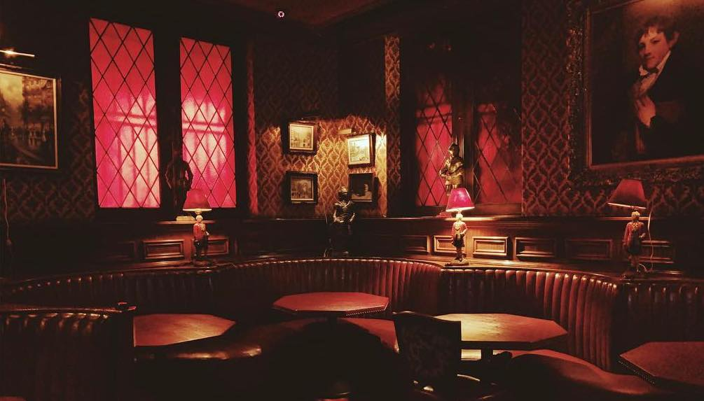 Inside The Glamtastic Koreatown Restaurant That's Been In All Your Fave TV Shows • The Prince