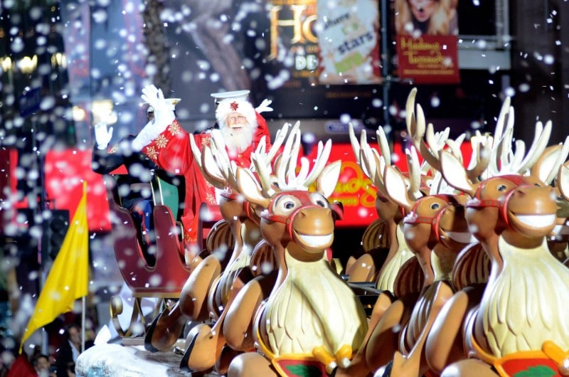 The Countdown To Xmas Begins! Here's Your Guide To The Hollywood Christmas Parade