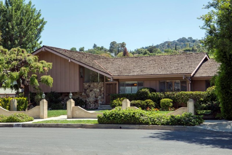 HGTV Bought 'The Brady Bunch' House And The Entire Cast Reunited