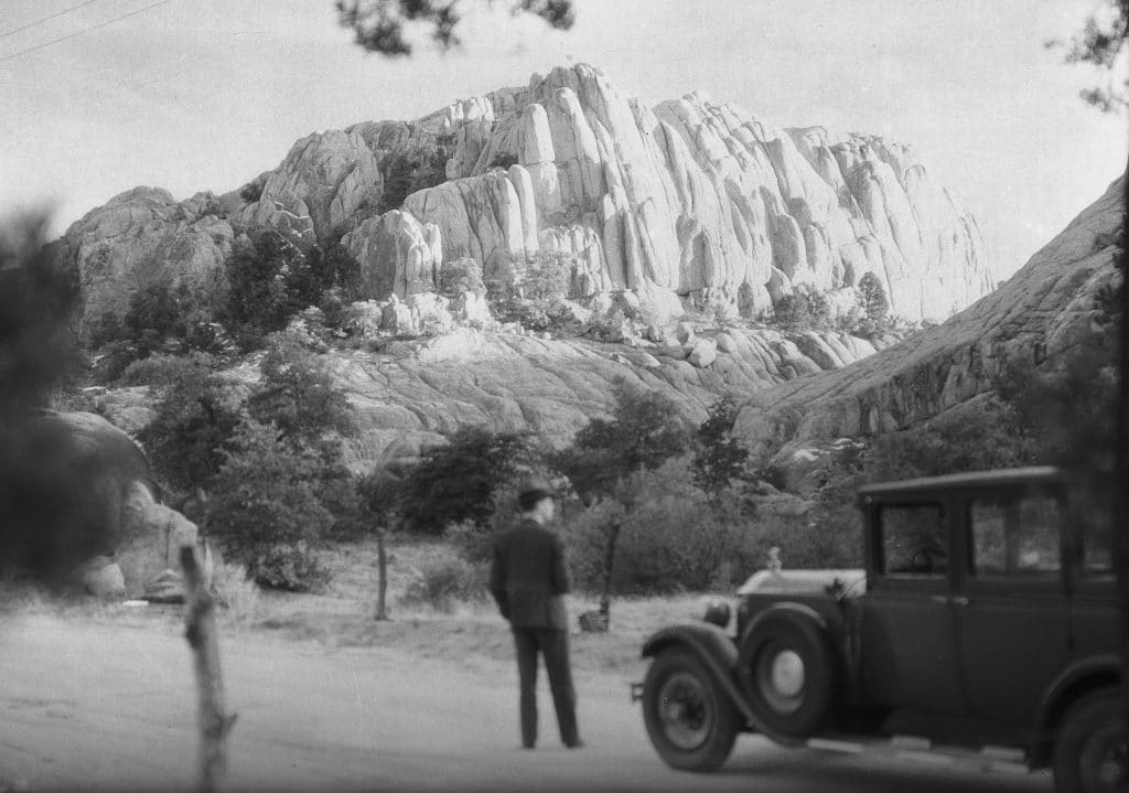 USC Plans To Digitize Over 37,000 Unseen Photos Of L.A. During The 1930s & '40s