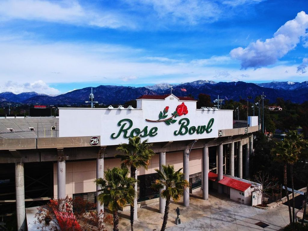 Satisfy Your Food Truck Obsession During 'Final Fridays' At The Rose Bowl Stadium