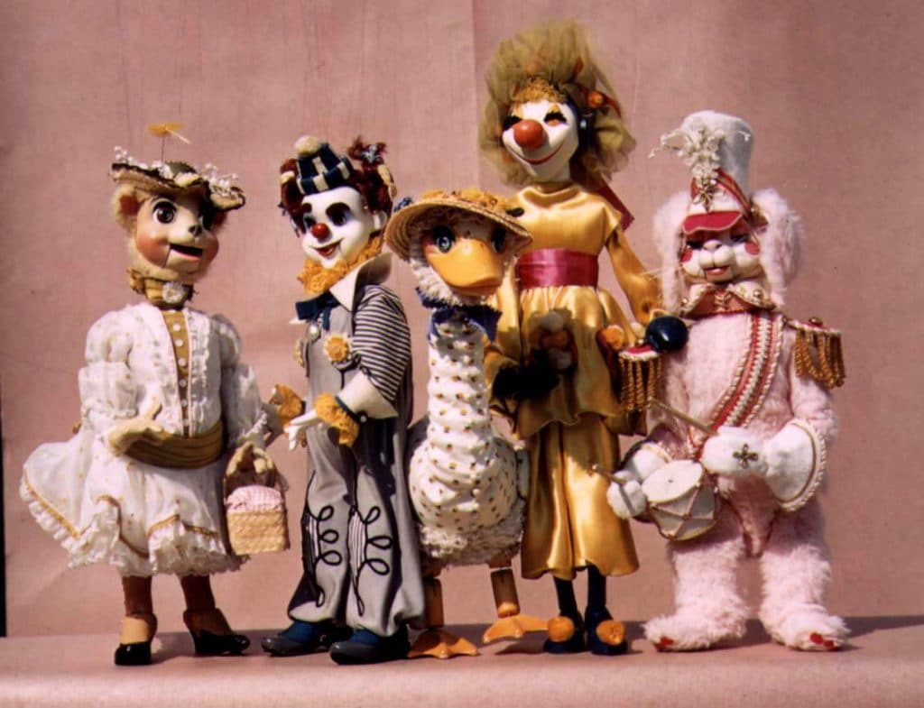 This Phenomenal Lunch Features Bottomless Margaritas And Hilarious Puppets!