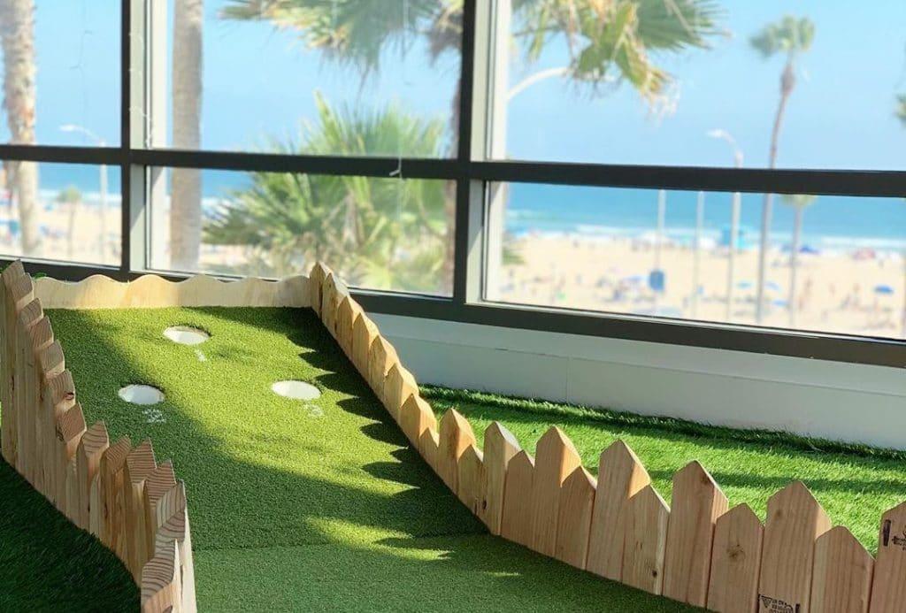 A Miniature-Golf Pop-Up Bar Is Swinging Its Way Along The Coast Of Huntington Beach