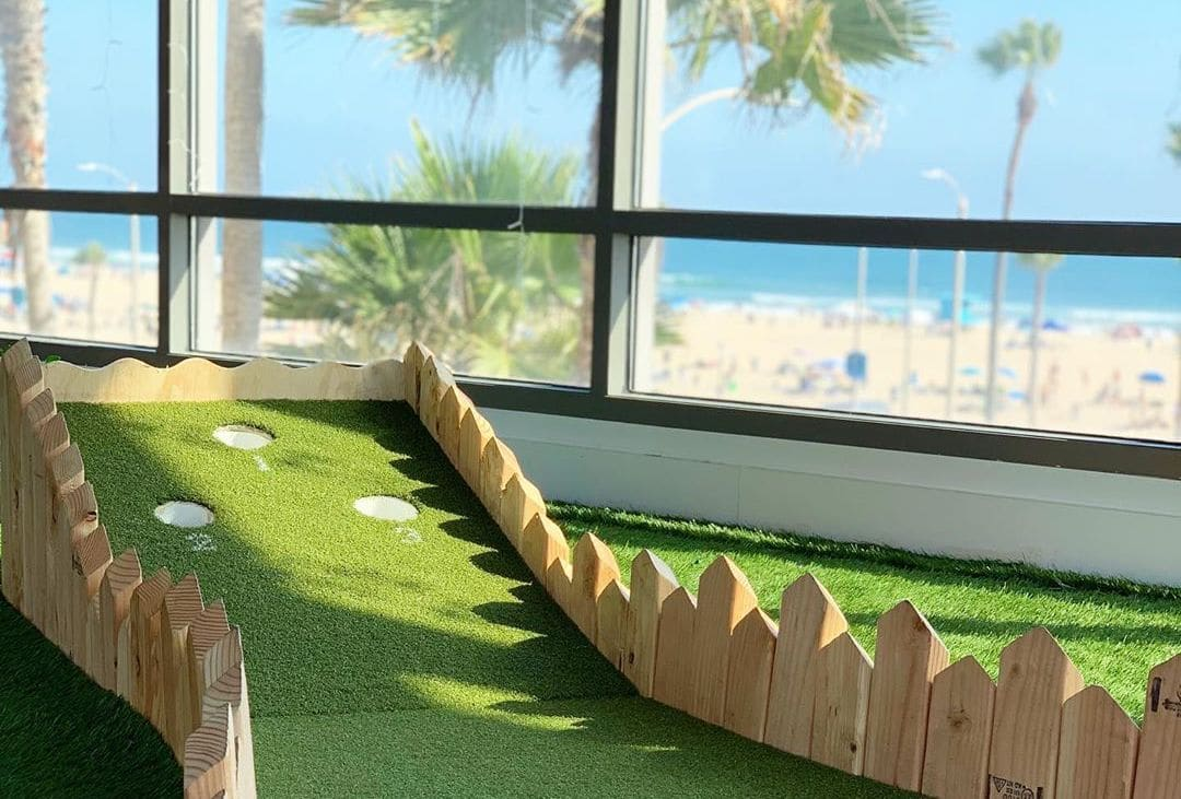 A Miniature-Golf Pop-Up Bar Is Swinging Its Way Along The Coast Of Huntington Beach