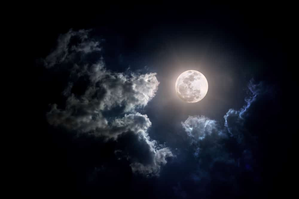 A Full Moon On Friday The 13th Is A Spooky Welcome To Fall This Year