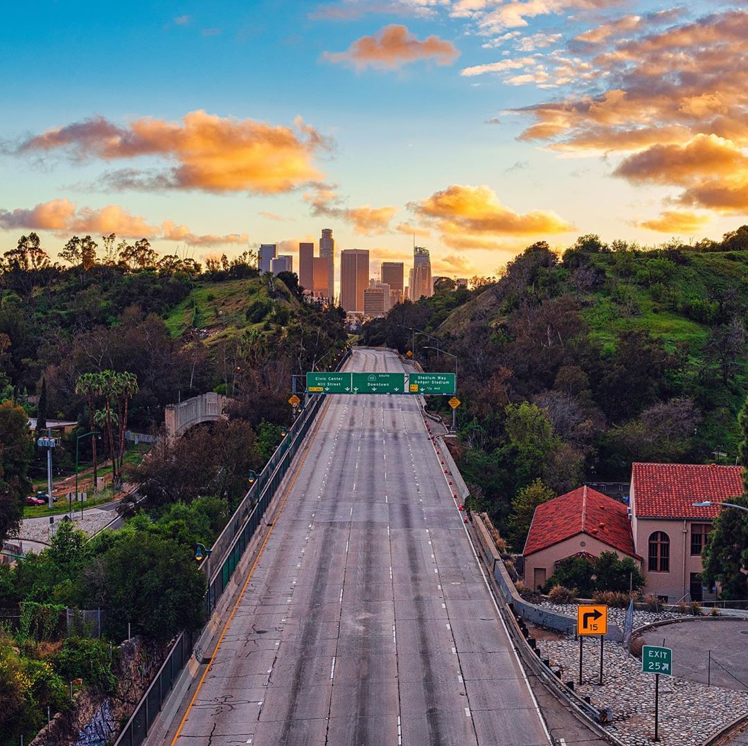 13 Pictures Of Los Angeles Looking Unusually Empty During