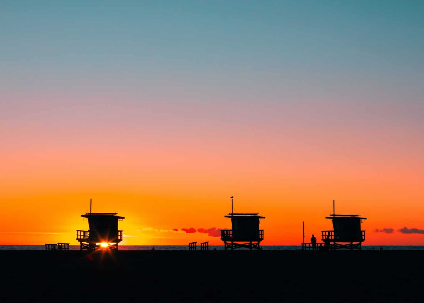 Catch The Gorgeous Venice Beach 'Magic Hour' Online Daily