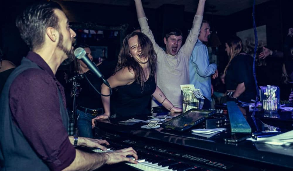 Fill That Karaoke Void With These Super Fun Live Dueling Piano Shows
